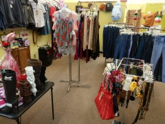 LA TIENDA ROSY IN OMAHA WOMENS & MENS CLOTH