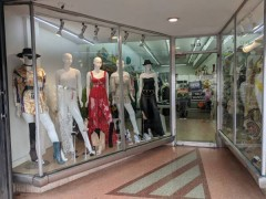 Washington avenue cloth shop in Miami south beach